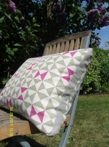 Geometric design cushion