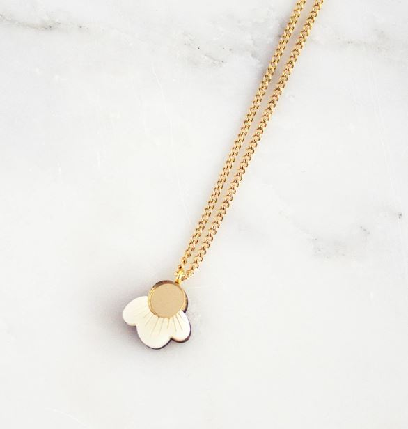 Top Drawer 2020 Wolf & Moon wildflower necklace